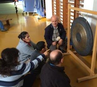 Programa CAO usufruíram de uma sessão de demostração do instrumento de som GONGO TAM TAM